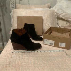 Lucky brand bootie size 10